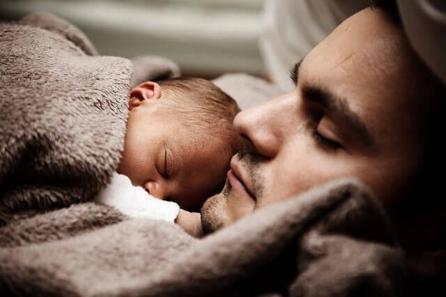 Miten suhtautua vanhempiinsa, kun oivaltaa heidän vaikutuksen tunnelukon synnyssä?